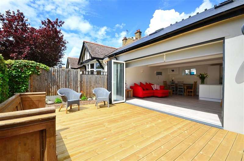 3 Bedrooms Semi Detached Bungalow for sale in Northwood Road, Tankerton, Whitstable, Kent
