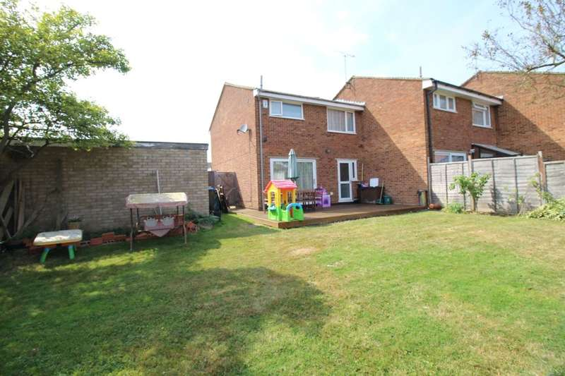 3 Bedrooms Semi Detached House for sale in Bronte Crescent, Hemel Hempstead, HP2