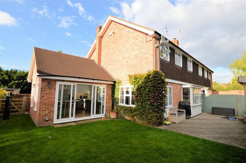 3 Bedrooms Semi Detached House for sale in Church Road, Aldermaston, Reading, RG7