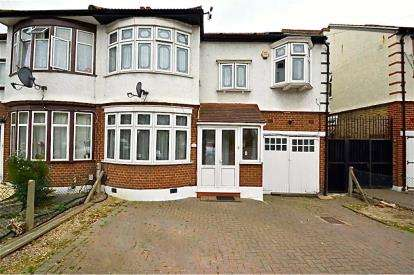 4 Bedrooms End Of Terrace House for sale in Ilford, Essex