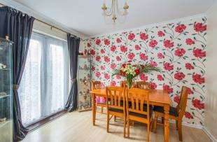 3 Bedrooms Terraced House for sale in Larkfields, Northfleet, Gravesend, Kent