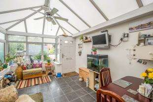 4 Bedrooms Semi Detached House for sale in Margetts Place, Lower Upnor, Rochester, Kent