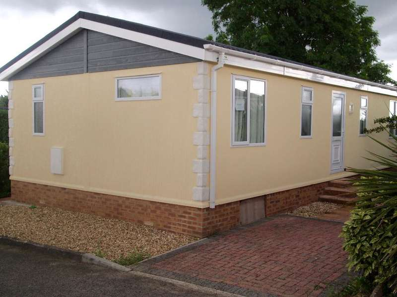 2 Bedrooms Mobile Home for sale in OP1041, West Camel, Yeovil, Somerset, BA22 7QR
