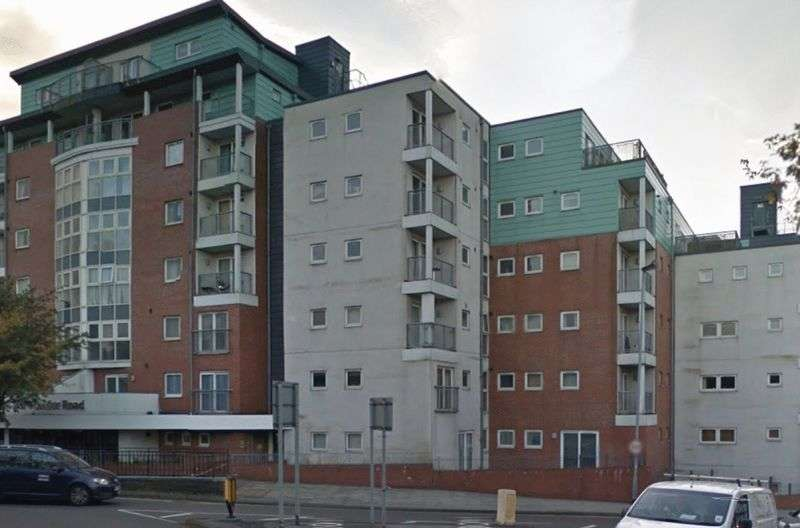 2 Bedrooms Flat for sale in London Road, Newcastle