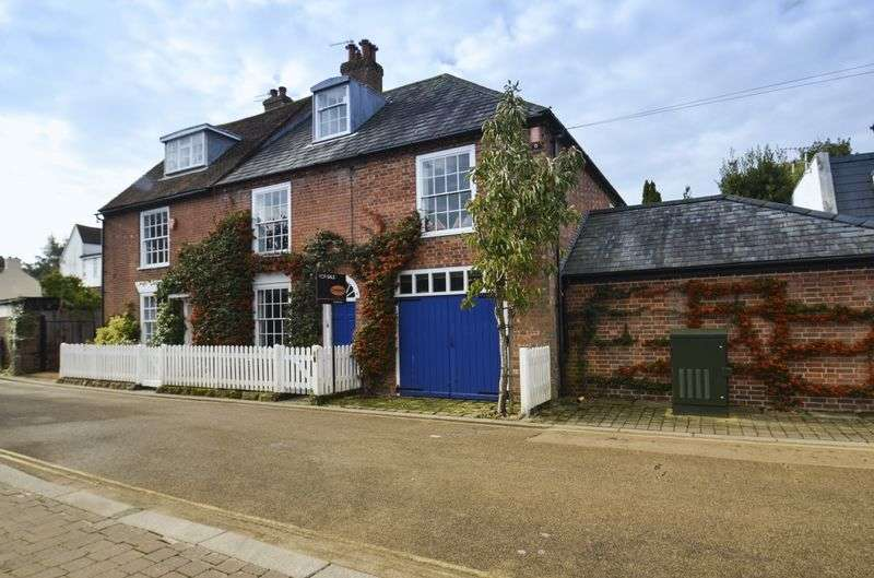 4 Bedrooms Semi Detached House for sale in Quay Road, Lymington