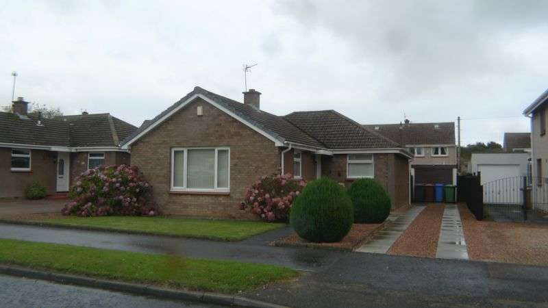 3 Bedrooms Detached Bungalow for sale in Barassie Drive, Kirkcaldy
