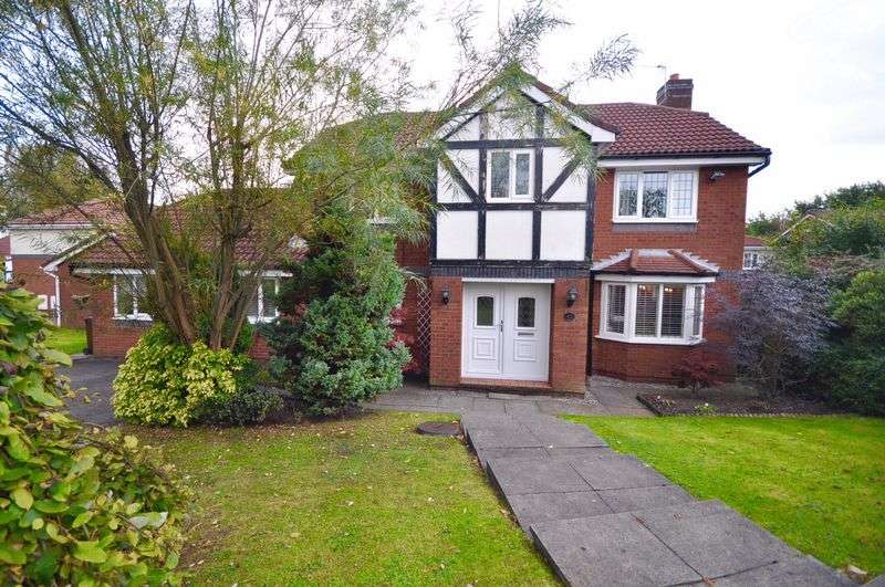 4 Bedrooms Detached House for sale in Chapeltown Road, Manchester
