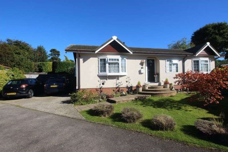 2 Bedrooms Detached Bungalow for sale in Boxhill