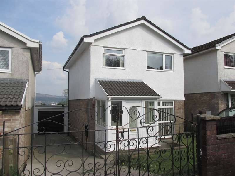 3 Bedrooms Detached House for sale in Camellia Close, Aberdare