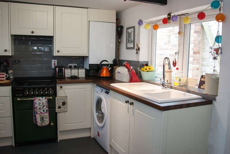 2 Bedrooms Link Detached House for sale in North Street, Thame, Oxfordshire, OX9