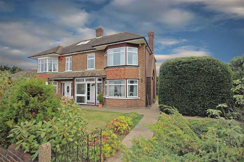 3 Bedrooms Semi Detached House for sale in Masefield Rd, Woodside
