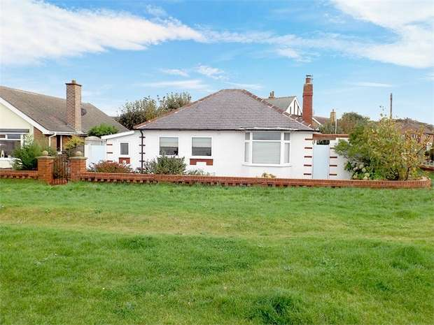 2 Bedrooms Detached Bungalow for sale in Promenade, Knott End-on-Sea, Poulton-le-Fylde, Lancashire