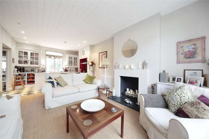 3 Bedrooms Flat for sale in Trinity Road, Wandsworth Common, London, SW17