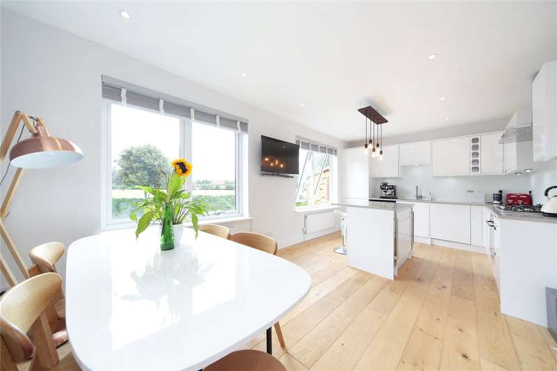 3 Bedrooms Flat for sale in Kimber Road, Earlsfield, London, SW18