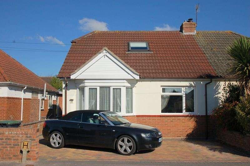 2 Bedrooms Semi Detached Bungalow for sale in Bridgemary Grove, Bridgemary, Gosport