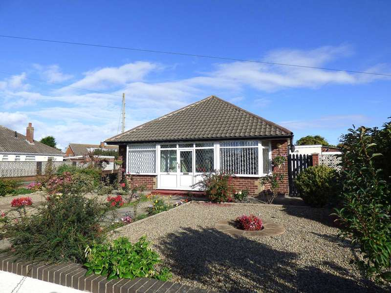 2 Bedrooms Detached Bungalow for sale in Leach Lane, St Annes