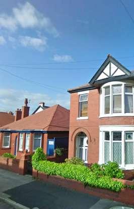 1 Bedroom Flat for sale in Queensway, Blackpool, Lancashire, FY4 2DG
