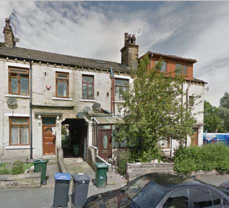 3 Bedrooms Terraced House for sale in Dirkhill Street,, Bradford, West Yorkshire, BD7 3BB