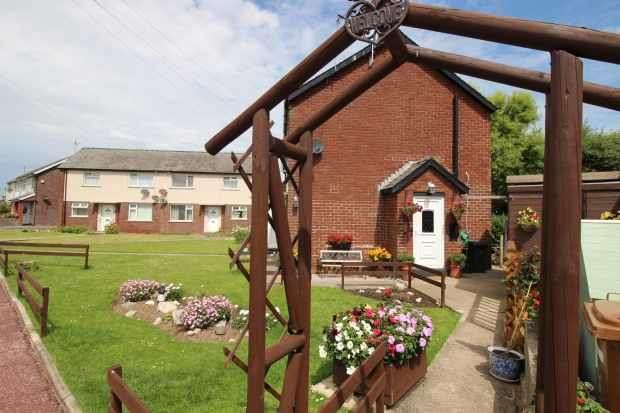 1 Bedroom Flat for sale in Severn Road, Barrow-In-Furness, Cumbria, LA14 3TT