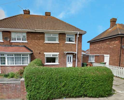 3 Bedrooms Semi Detached House for sale in Sandringham Road, Cleethorpes, South Humberside, DN35 9DR