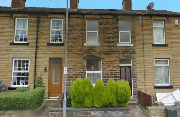 3 Bedrooms Terraced House for sale in Mortimer Avenue, Batley, West Yorkshire, WF17 8BX