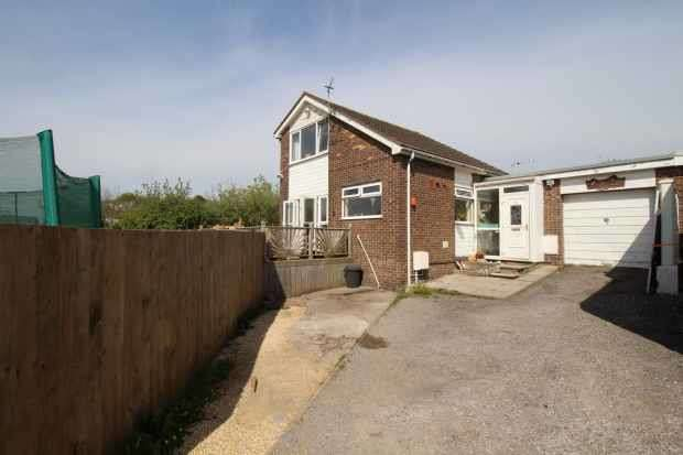 3 Bedrooms Detached House for sale in Fontygary Road, Barry, South Glamorgan, CF62 3DS