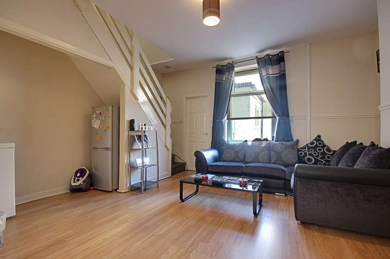 2 Bedrooms Terraced House for sale in Pritchard, Burnley, Lancashire, BB11
