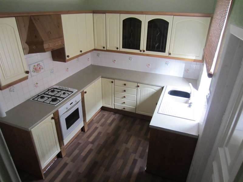 2 Bedrooms House for sale in Market Street, Whitworth, Rochdale