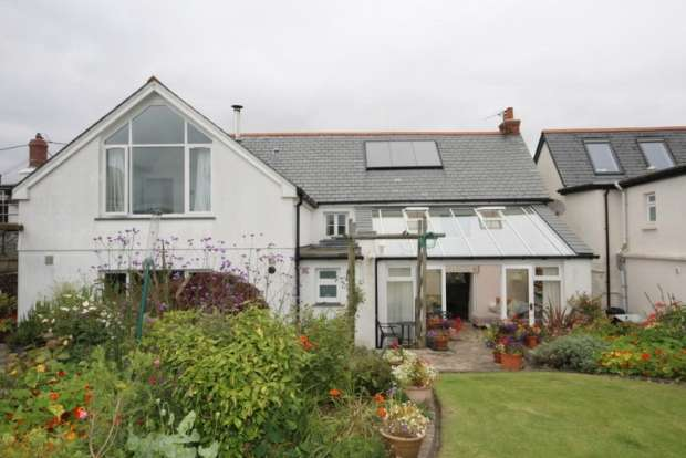 4 Bedrooms Property for sale in ASHREIGNEY CHULMLEIGH
