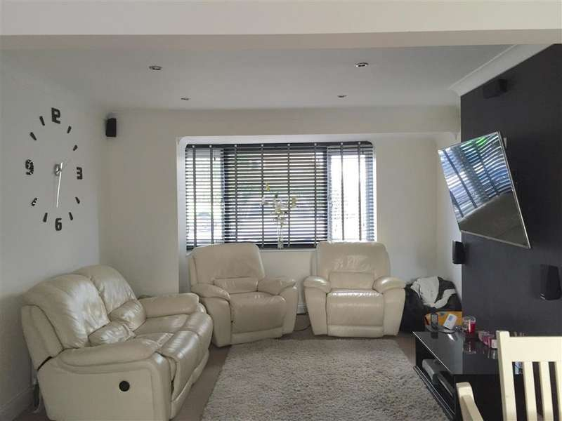 3 Bedrooms Semi Detached House for sale in Worthing Road, Rustington, West Sussex