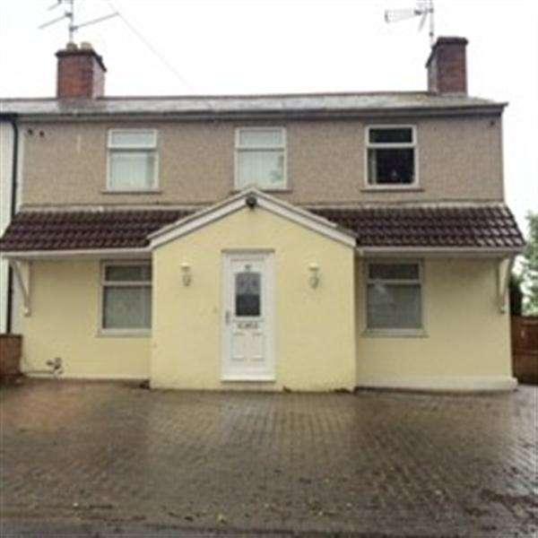 3 Bedrooms Semi Detached House for sale in Pinehurst Road, Swindon