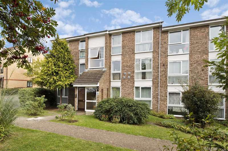 2 Bedrooms Apartment Flat for sale in Oakley Close, Isleworth