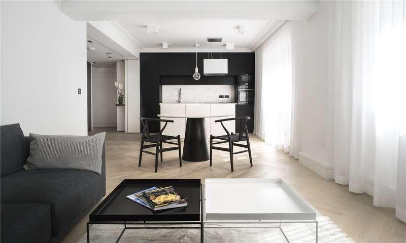 3 Bedrooms Flat for sale in Troy Court, Kensington High Street, W8