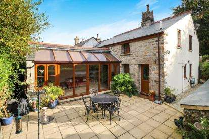 4 Bedrooms End Of Terrace House for sale in Carbis, St. Austell, Cornwall