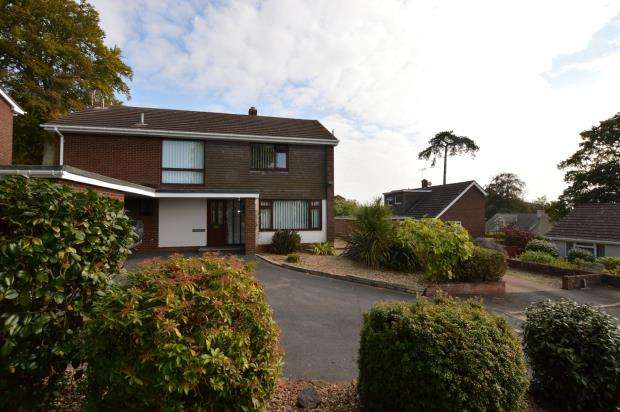 4 Bedrooms Detached House for sale in Fairfield Road, Crediton, Devon