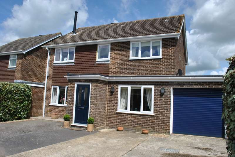 4 Bedrooms Detached House for sale in Weavers Close, STAPLEHURST