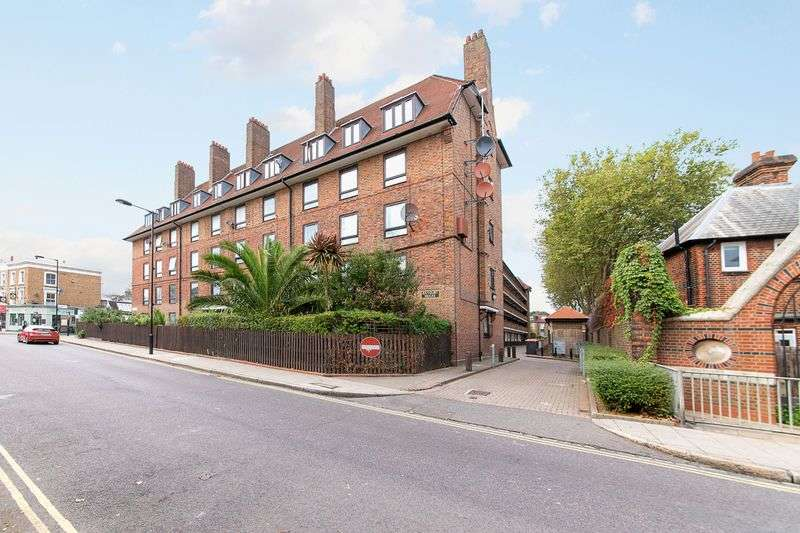 1 Bedroom Flat for sale in Banbury Road, London E9