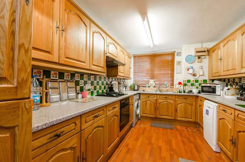 4 Bedrooms House for sale in Palmerston Road, Bounds Green, N22