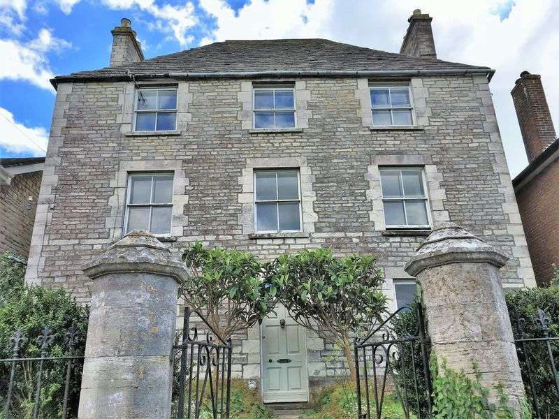 7 Bedrooms Detached House for sale in High Street, Swanage