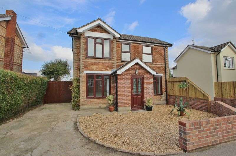 3 Bedrooms Detached House for sale in Parley Road, Bournemouth