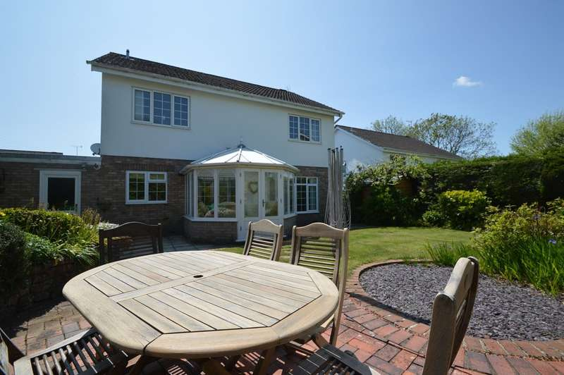 4 Bedrooms Detached House for sale in Court Close, Aberthin, Near Cowbridge, Vale of Glamorgan, CF71 7EH