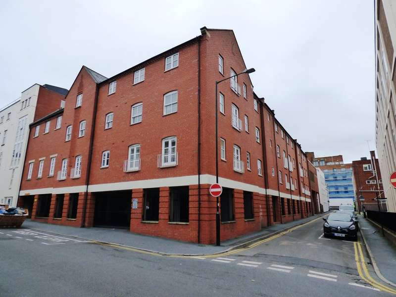 2 Bedrooms Flat for sale in The Corner House, Leamington Spa