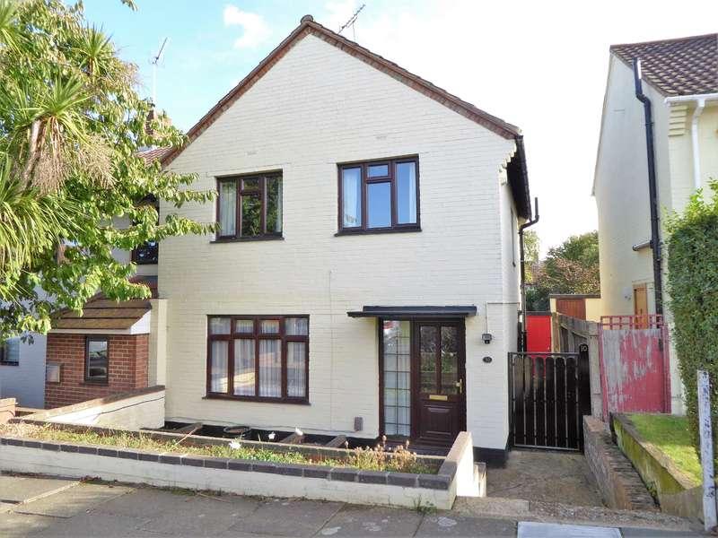 3 Bedrooms Semi Detached House for sale in Stuart Mantle Way, Erith, Kent, DA8 3LQ
