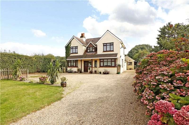 4 Bedrooms Detached House for sale in Denham Lane, Chalfont St. Peter, Buckinghamshire, SL9