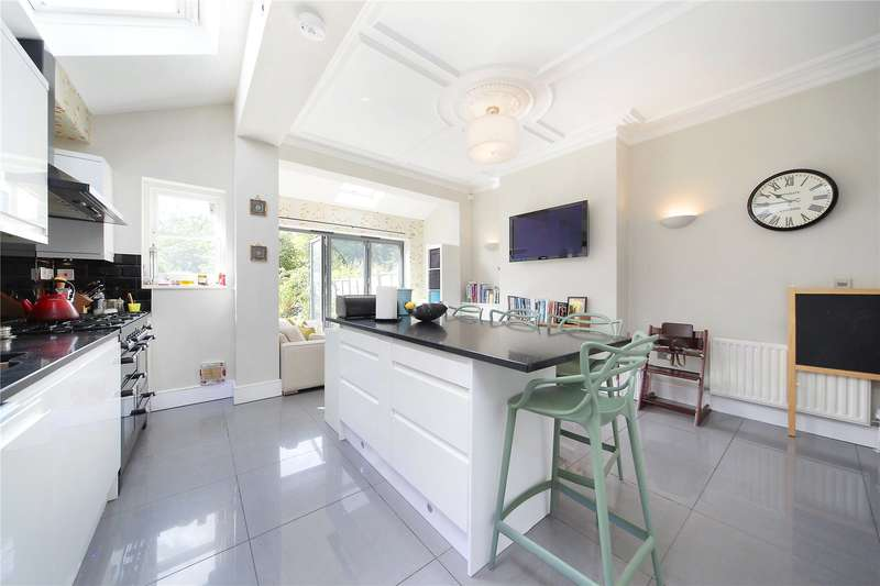 4 Bedrooms Terraced House for sale in Honeybrook Road, Clapham South, London, SW12