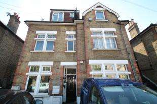 1 Bedroom Maisonette Flat for sale in Croham Road, South Croydon, Surrey, England