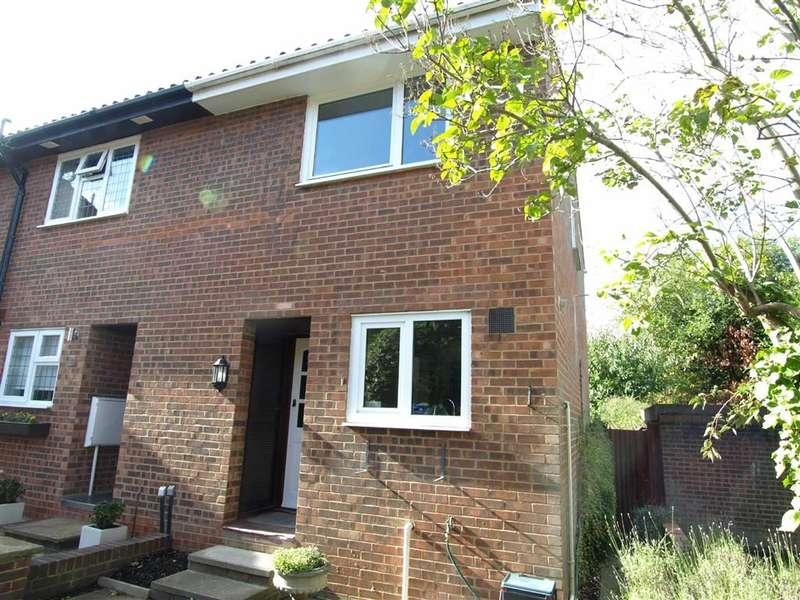 2 Bedrooms Property for sale in Banavie Gardens, Beckenham, BR3