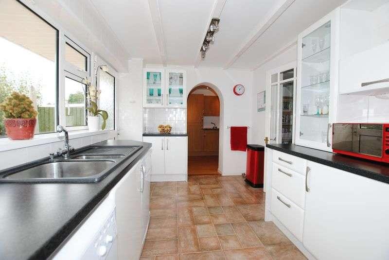 4 Bedrooms Semi Detached House for sale in Saltash