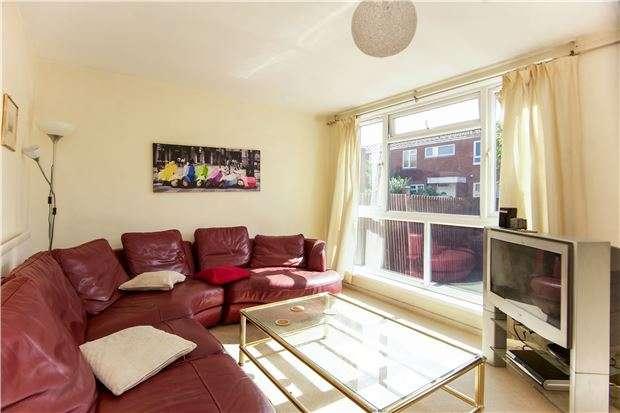 3 Bedrooms Terraced House for sale in Coleridge Close, Battersea, London, SW8