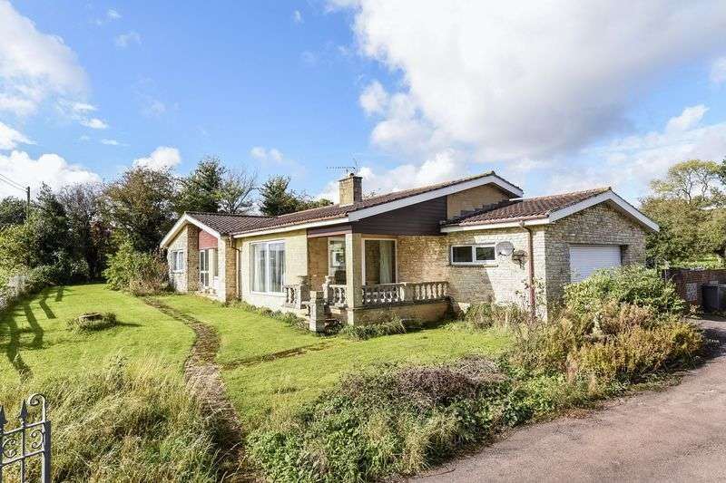 4 Bedrooms Detached Bungalow for sale in Holbrook Common, Wick, Bristol